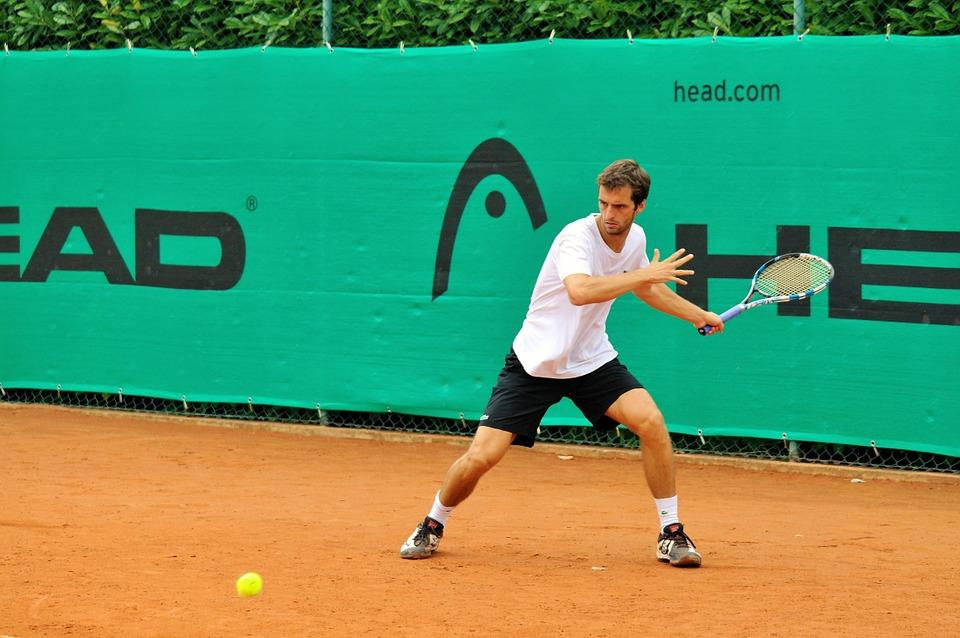 Техника удара слева в большом теннисе
